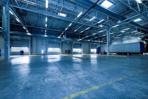 Choosing the Best Lighting for Industrial and Commercial Spaces